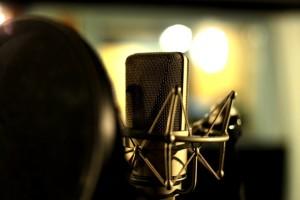 photodune-1433260-studio-microphone-in-shockmount-s